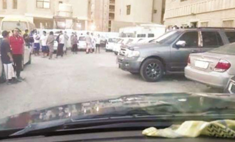 Unpaid Salaries For 3 Months Forces Restaurant Workers To Protest