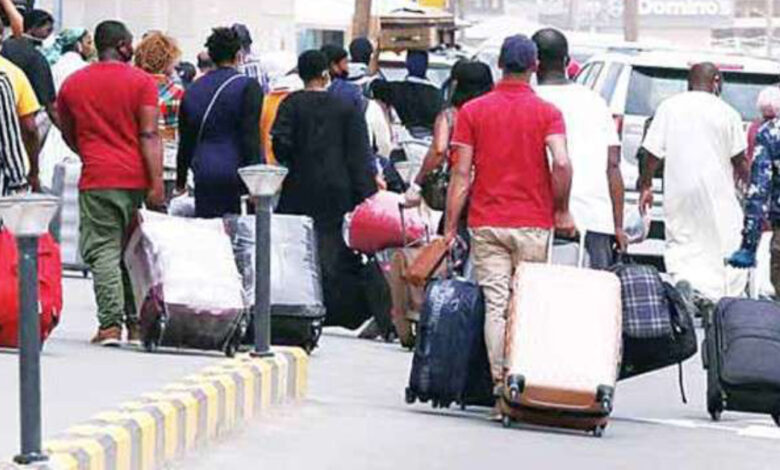 Kuwait to Deport 70 % of Expats within 5 Years
