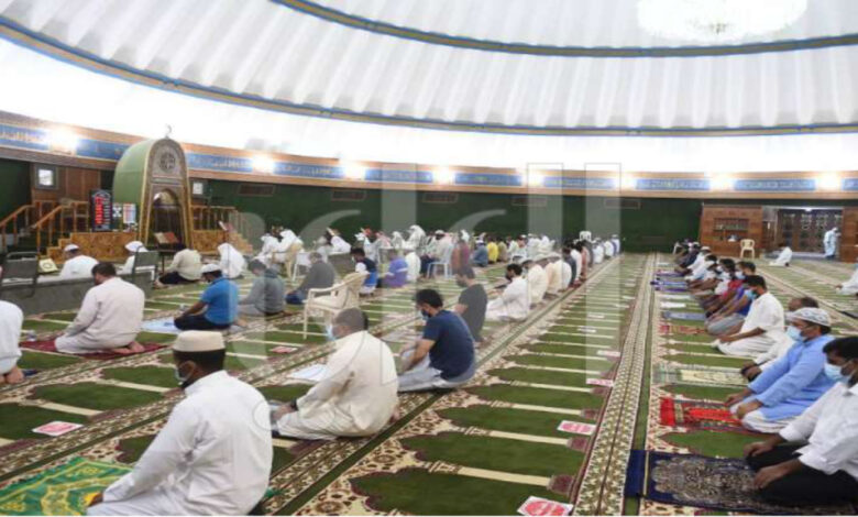 Crowd Of Worshipers At Mosques
