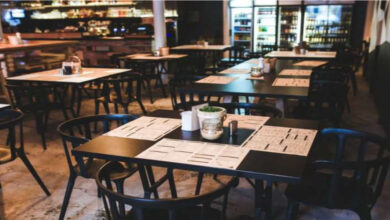 Health Authorities Continue To Recommend Closing Restaurants At 8